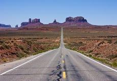 Carretera al valle del monumento Imágenes de archivo libres de regalías