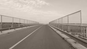 Carretera, cerca por el camino