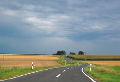 Carretera con curvas fotografía de archivo