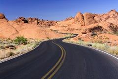 Carretera con curvas Fotos de archivo libres de regalías
