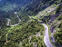 Carretera con curvas de Transfagarasan Rumania en los Cárpatos Imagen de archivo libre de regalías