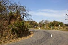 Carretera con curvas en colinas del morni imágenes de archivo libres de regalías