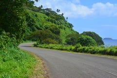 Carretera con curvas en la isla de Taveuni fotografía de archivo