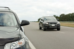 Carretera con los coches Fotos de archivo libres de regalías