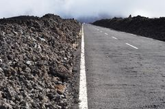 Carretera de asfalto a Teide, Tenerife foto de archivo