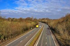Carretera de doble calzada BRITÁNICA Foto de archivo libre de regalías