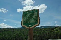 Carretera de la jerarquía de cuervos, A.C. Canadá. Fotografía de archivo libre de regalías