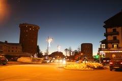 Carretera de la visión nocturna en Sestriere, Turín, Piamonte, Italia Fotos de archivo libres de regalías
