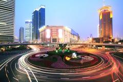 Carretera de Shangai en la noche Imagen de archivo
