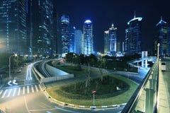 Carretera de Shangai Lujiazui en la noche Fotografía de archivo