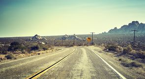 Carretera del desierto, concepto del viaje, los E.E.U.U. Imagen de archivo