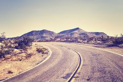 Carretera del desierto, concepto del viaje, los E.E.U.U. Fotografía de archivo libre de regalías