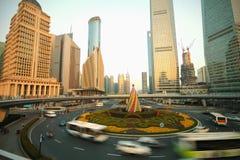 Carretera del lujiazui de Shangai del tráfico Fotografía de archivo