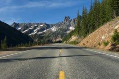 Carretera del norte de las cascadas Fotografía de archivo libre de regalías