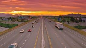 Carretera del tráfico de ciudad del flujo del coche metrajes