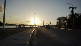 Carretera en la puesta del sol metrajes