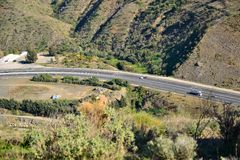 Carretera en las montañas imagen de archivo libre de regalías