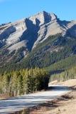Carretera en Rockies fotografía de archivo libre de regalías