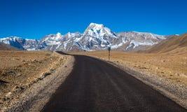 Carretera Himalayan del camino de la montaña en Sikkim del norte Fotografía de archivo