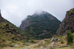 Carretera nacional en las montañas Imagen de archivo libre de regalías