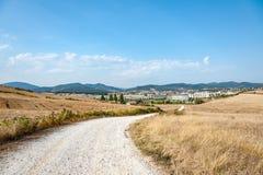 Carretera nacional en Navarra, España Foto de archivo