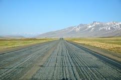 Carretera recta del asfalto Foto de archivo libre de regalías