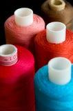 Carretes coloridos de la cuerda de rosca Fotografía de archivo