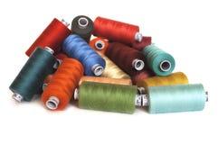 Carretes de costura en un estado Foto de archivo libre de regalías