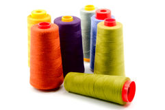 Carretes de cuerdas de rosca coloreadas fotografía de archivo libre de regalías