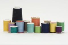Carretes de hilos de coser Fotografía de archivo libre de regalías