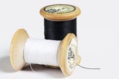 Carretes de la cuerda de rosca del algodón imágenes de archivo libres de regalías