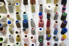 Carretes horizontales de la cuerda de rosca imágenes de archivo libres de regalías