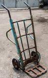 Carretilla de dos ruedas Fotos de archivo libres de regalías