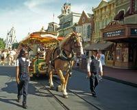 Carretilla traída por caballo de Disney Foto de archivo