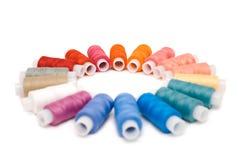 Carretéis coloridos da linha Imagens de Stock