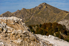 Carrière de montagne et de marbre Photos stock