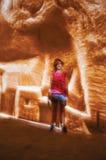 CarriA reses的de LumiA reses孩子,一个视听展示在一个老石灰石矿执行了,在Baux de普罗旺斯附近 免版税图库摄影