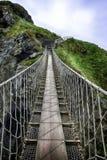 Carrick一座红色绳索桥梁 库存照片