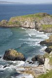 Carrick ένα νησί Rede  Παράκτιο μονοπάτι υπερυψωμένων μονοπατιών γιγάντων  Κομητεία Στοκ φωτογραφία με δικαίωμα ελεύθερης χρήσης
