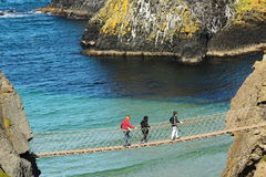 Carrick-a-Rede Seil-Brücke lizenzfreies stockbild