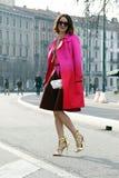 Carrie colbert vinter 2015 2016 för höst för streetstyle för Milano, milan modevecka Arkivfoto