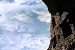 腐朽在废墟里面的carrigafoyle城堡 免版税库存图片