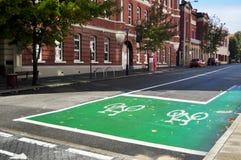 Carril de bicicleta en el camino en Perth, Australia imagenes de archivo