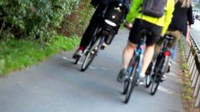 Carril de la bici almacen de metraje de vídeo