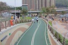 Carril de la bici de la ciudad en el tseung O kwan imagenes de archivo