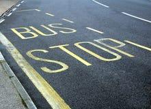 Carril de la muestra de la parada de autobús Imagen de archivo