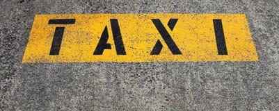 Carril del taxi imagenes de archivo