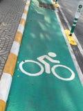 Carril verde de la bici Fotografía de archivo libre de regalías