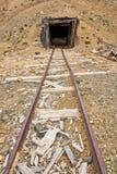 Carril y eje de la mina Imágenes de archivo libres de regalías
