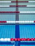 Carriles de la piscina fotografía de archivo libre de regalías